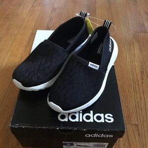 Brand new women's adidas size 7 shoes